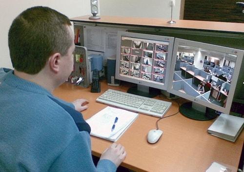Наблюдение за сотрудниками в офисе через видеонаблюдение